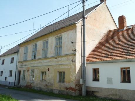 Bývalý hostinec (komerční prostory) v obci Rozsedly