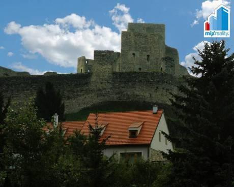 Prodej - Luxusní nemovitost pod hradem Rabí