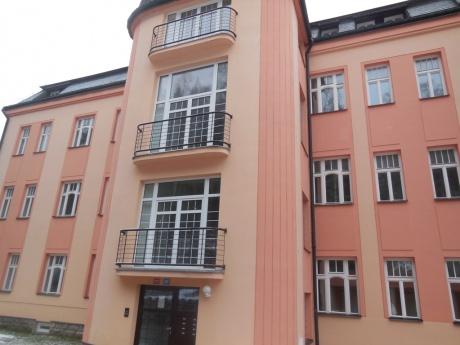 Prodej bytu 3+1, 94 m2, ulice Pražského Povstání, Jablonec nad Nisou