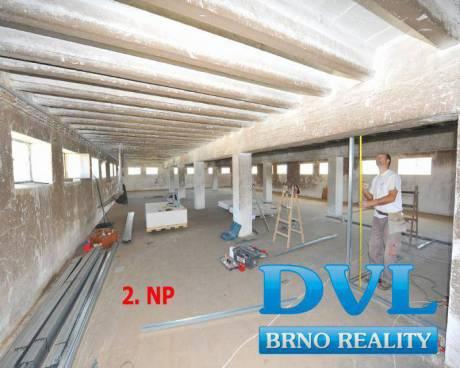 Prostory ke skladování či výrobě - obec Podivín. Lze pronajmout 392 - 784 m2, 2 a 3. patro.