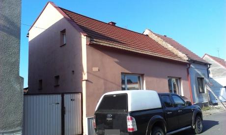 Prostorný samostatný RD s terasou, zahradou a garáží