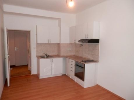 Prodej, pěkný byt 2kk, 41 m2, Viklefova Praha 3, vhodné na INVESTICI