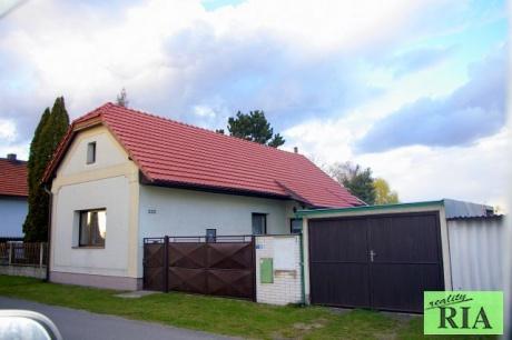 Choťánky u Poděbrad RD 2-3+1, garáž, zahrada 683m2