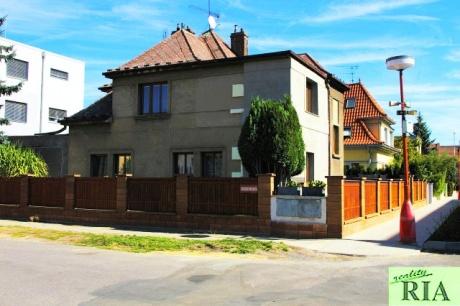 Poděbrady vila 3+1, 3+kk, garáž, zahrada 511m2-v blízkosti centra města