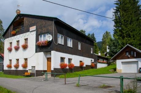 Prodej apartmánové chalupy  470 m2, a pozemku 2.252 m2, Josefův Důl