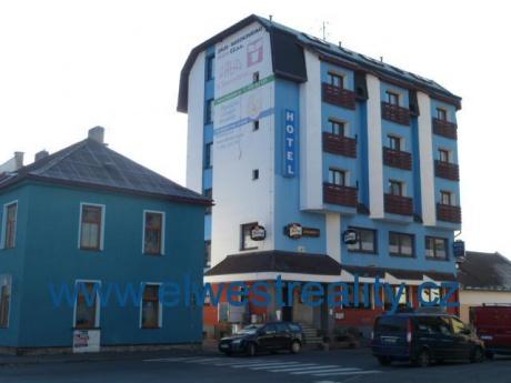 Prodej bývalého hotelu s restaurací v Sušici