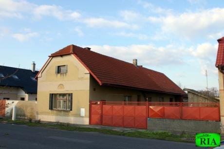 Pátek u Poděbrad RD 5+1, garáž, zahrada 1.228m2