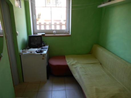 Garsoniera, 15 m2 + zahrádka, Na Vypichu, Praha 6 - Liboc