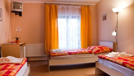 Krátkodobě plně zařízené pokoje, ul. K Větrolamu, Praha 8 - Čimice
