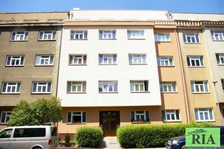Praha 8 Libeň cihlový byt 2+kk v OV 43m2