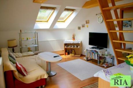 Poděbrady mezonetový cihl. byt 3+kk s terasou v OV, 200m od lázeňské kolonády-pěkné