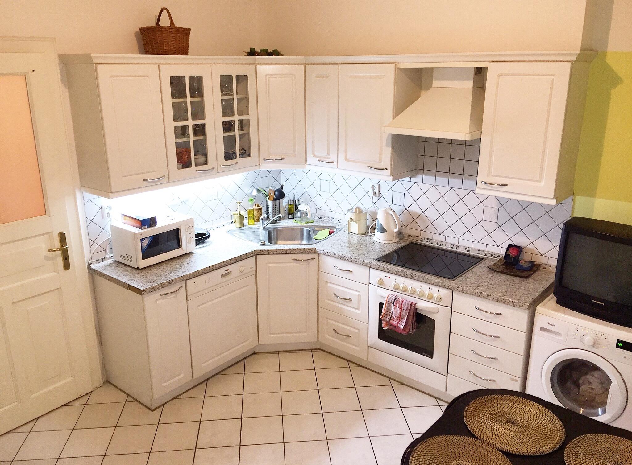 Prodej, PĚKNÝ Zrekonstruovaný Byt 3 kk, nebo možnost samostatně byty 1 kk + 2 kk, 2 koupelny, 2 kuchyně, Lužická, Praha Vinohrady