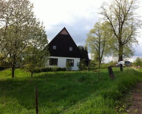 Prostorná chalupa se nachází v obci Chvaleč 15 min. od Trutnov-5