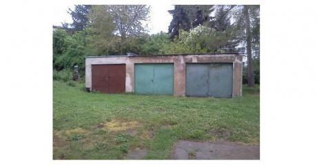 Prodej zděných garáží 17 m2, Praha 10