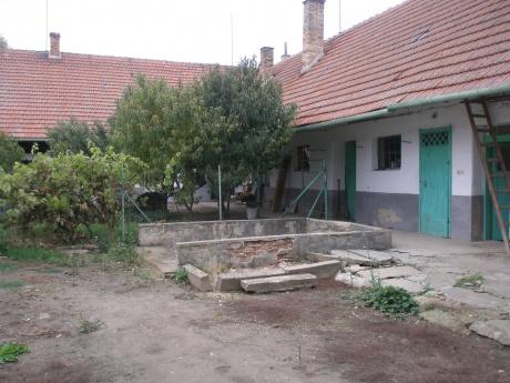 Prodej domu RD 3 + 1 / 1 + 1, průjezd Zbýšov u Slavkova