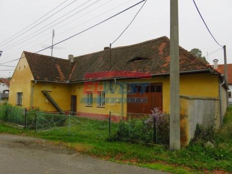 Prodej rodinného domu se stodolou a zahradou, Domoraz
