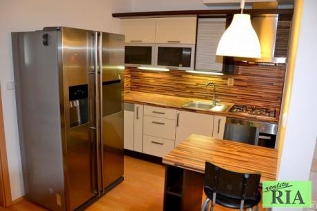 Poděbrady mezonet. byt 4+kk, 114m2 v OV (garáž + park.stání) - pěkné