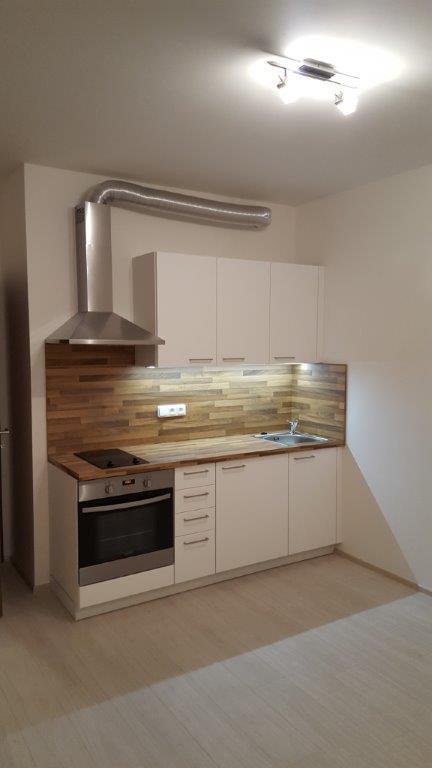 Nový byt 1+kk s balkonem, 32 m2, nám. Junkových, Praha 5 – Stodůlky