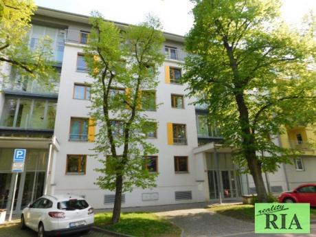 Poděbrady cihl.byt v OV 3+kk+L, komora, sklep, garážové stání, 90m2-u kolonády s výhledem do zeleně-pěkné