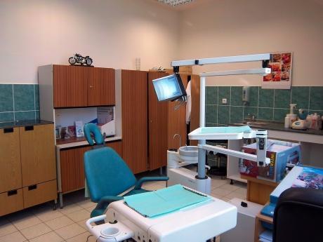 Prodej zavedené ortodoncní a stomatologické ordinace, Rosice u Brna, CP 50 m2