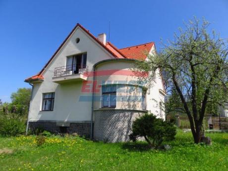Prodej rodinného domu se zahradou v klidné části města Sušice
