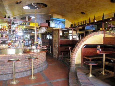 Bar s hernou na frekventovaném místě, Praha 5-Smíchov, velikost 135 m2