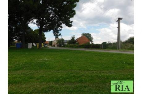 Levín - prodej stavebního pozemku 925 m2, hezká klidná lokalita!