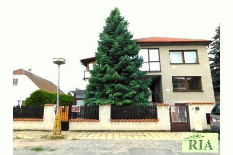 Poděbrady Velké Zboží RD 2x3+1, garáž, sklep, pozemek 716 m2, zajímavá nabídka!