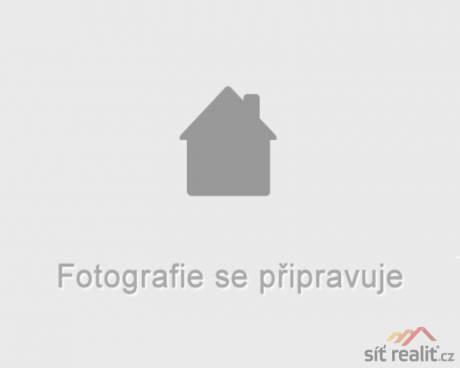 Pronájem bytu 2+kk/B, 62m2, nástavba z roku 2008, Praha 9 - Letňany, zeleň i dostupnost MHD