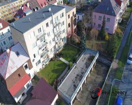 3+1/2xbalkon, 75m2, Praha Strašnice, blízko stanice metra Skalka.