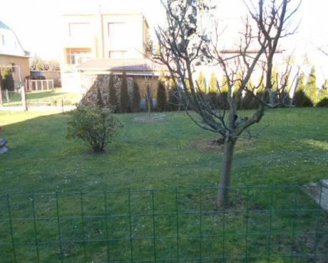 Rodinný dům 4+1 s balkonem a zahradou, ul. Ke Březině, Praha 4 - Písnice