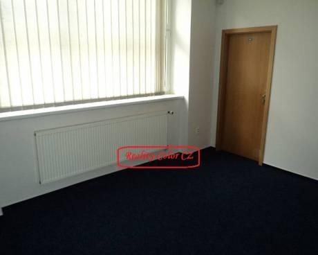Pronájem kanceláře 17,5 m2 v ul. Komunardů Praha 7 – Holešovice