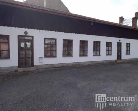 Pronájem komerční nemovitosti 382 m2 Benešovo náměstí, Křižanov