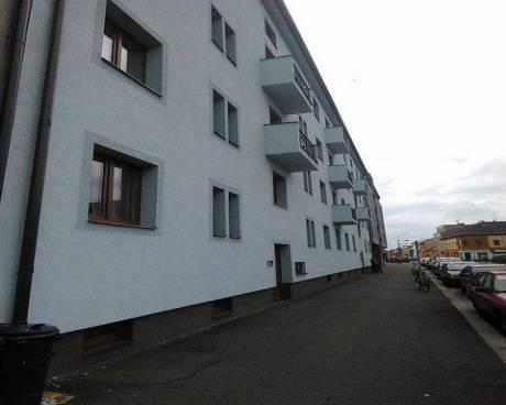 Pronájem zařízeného bytu 3+1, 75m2, cihla, 2x balkon, Pardubice - centrum