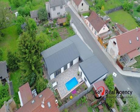 Prodej rodinného domu 4+kk, 108 m², pozemek 754 m² Poříčany, Spojovací.