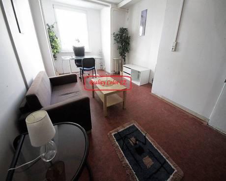 Pronájem zařízené kanceláře 19 m2 v ul. Janského Praha 5