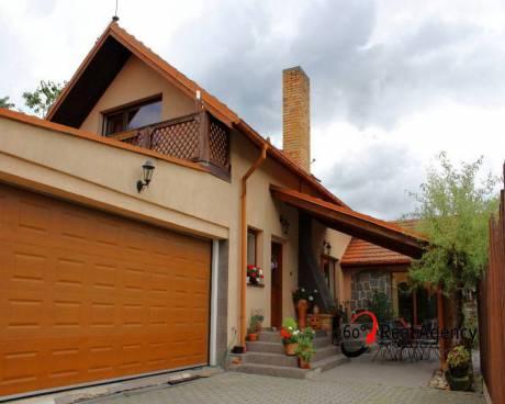 Prodej rodinného domu, OV, 5+1, 224 m², pozemek 722 m² , Tábor.