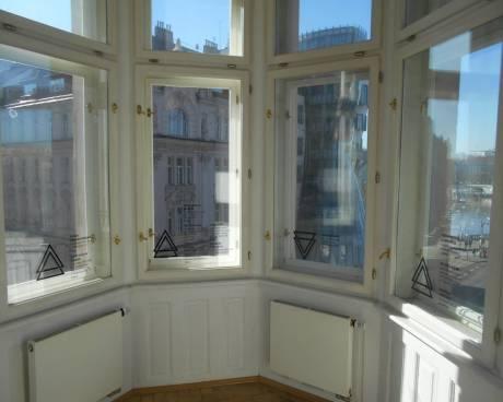 Byt 4+kk nebo 3+1 + balkon, 170 m2, ul. Resslova, Praha 2 - Nové Město