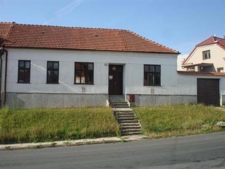 Pronájem malého útulného rodinného domku v Ostopovicích, 15 minut do centra Brna