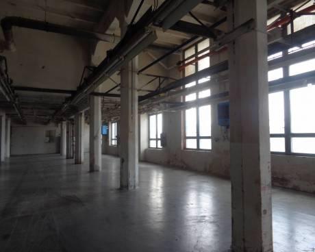 Pronájem skladu  - haly Hrušovany u Brna od 690 m2 do 6000 m2 až 12000 m2