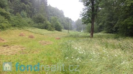 Pozemek Horní Houžovec