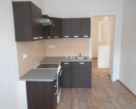 Byt 2+1/B, 65 m2, ul. Brožíkova, Praha 5 - Košíře
