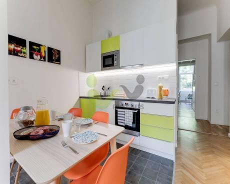 Room (pokoj) - Apartment for Rent in Prague