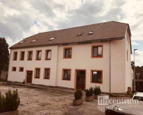 Prodej ubytovacího zařízení 853 m2, Řásná