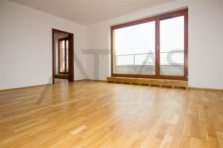 Pronájem bytu 2+kk, terasa, garážové stání,  Praha 4 Michle, Vokačova