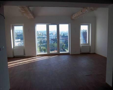 Pronájem bytu 4+kk Brno-Královo Pole, ul. Poděbradova, CP 162m2, po rekonstrukci, terasa, balkon, garáž
