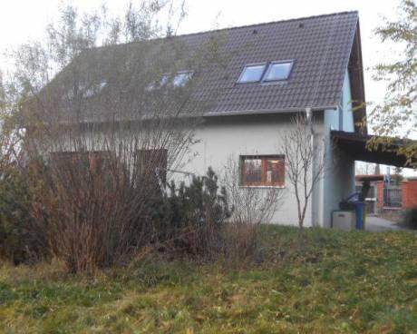 Rodinny dům 4+kk se zahradou, poz. 1.441 m2, Kunice, Praha- východ