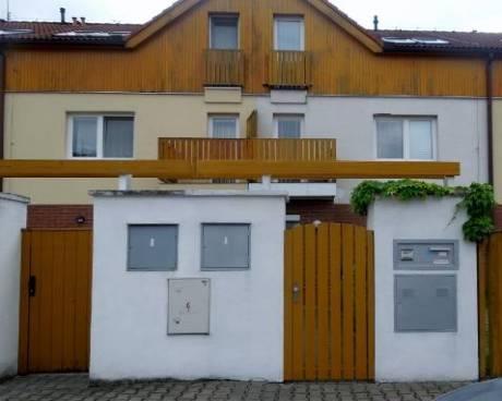 Pronájem rodinného domu Praha 10 - Štěrboholy