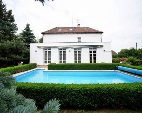 Prodej rodinného domu 271 m², pozemek 1 660 m² Chvatěruby