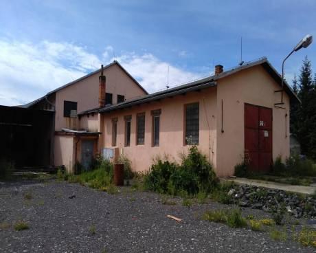 Pronájem dílny 110 m2 k výrobě nebo skladování v uzavřeném areálu 25 km od Liberce